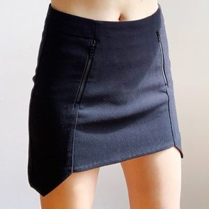 H&M * Black Crepe High Low Hem Mini Skirt 32